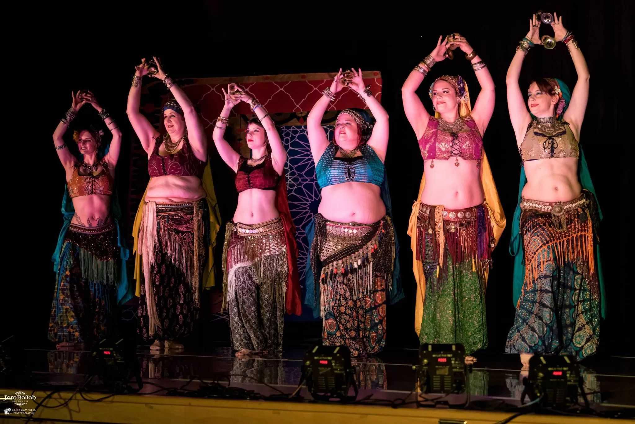 """""""La danse tribale, c'est facile…"""" par Sharon Moore"""