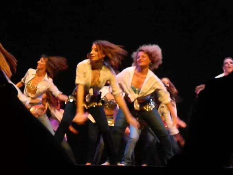 Danseuses orientales sur scène