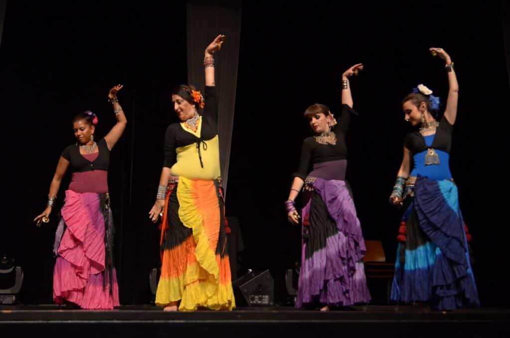 Quantre danseuses ATS sur scène