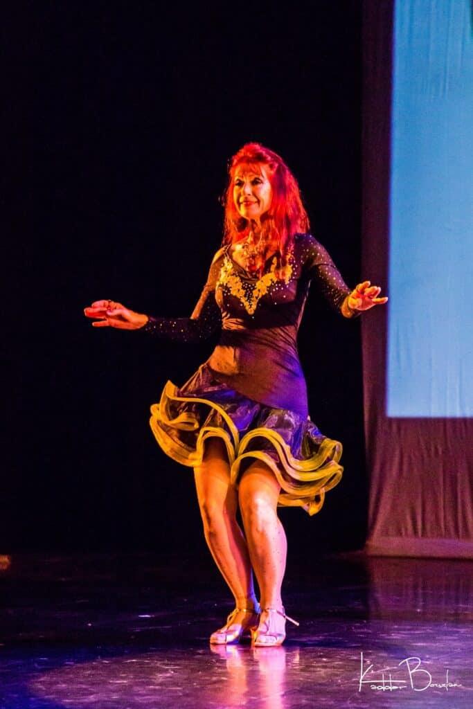 Amaîs danseuse sur scène