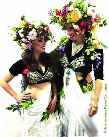Deux danseuses avec hair garden qui se regardent