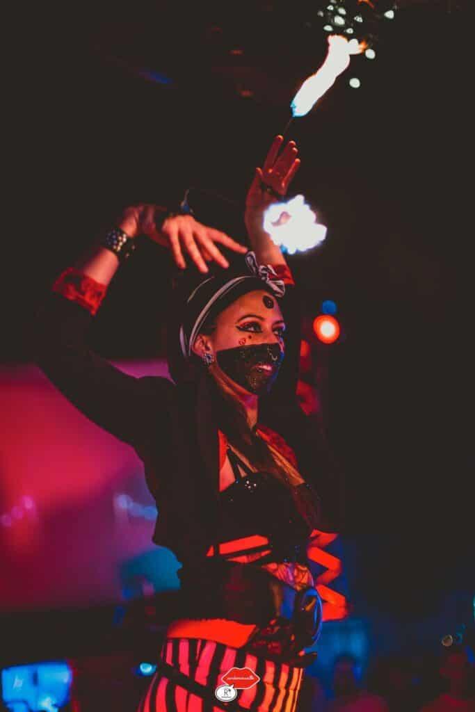Carole Kali Kalisuma Valentin Chalandon Duo Kramta Soeurs Soirée Circus Rock Au Rooftop Air 2 Marseille 2019